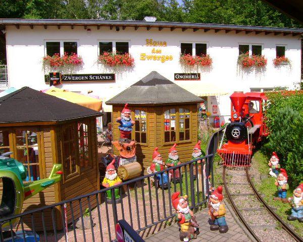 Zwergen- Park Trusetal